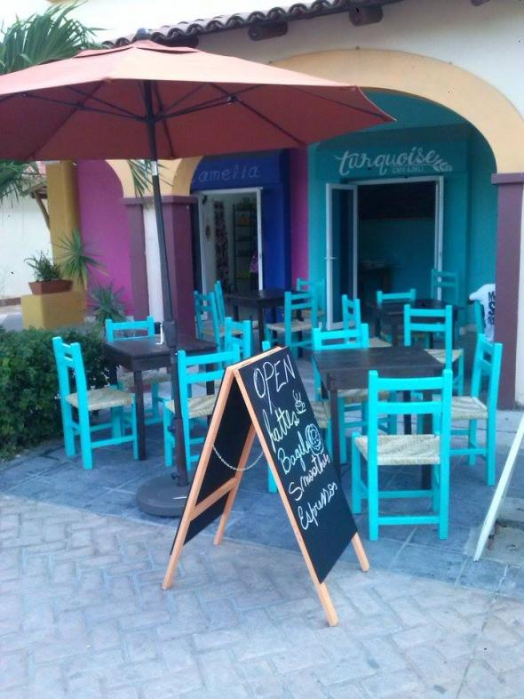 Turquoise Bakery & Cafe in Livepuntamita