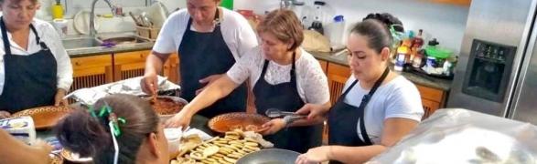 Let's cook together at  Centro Comunitario del Mar!