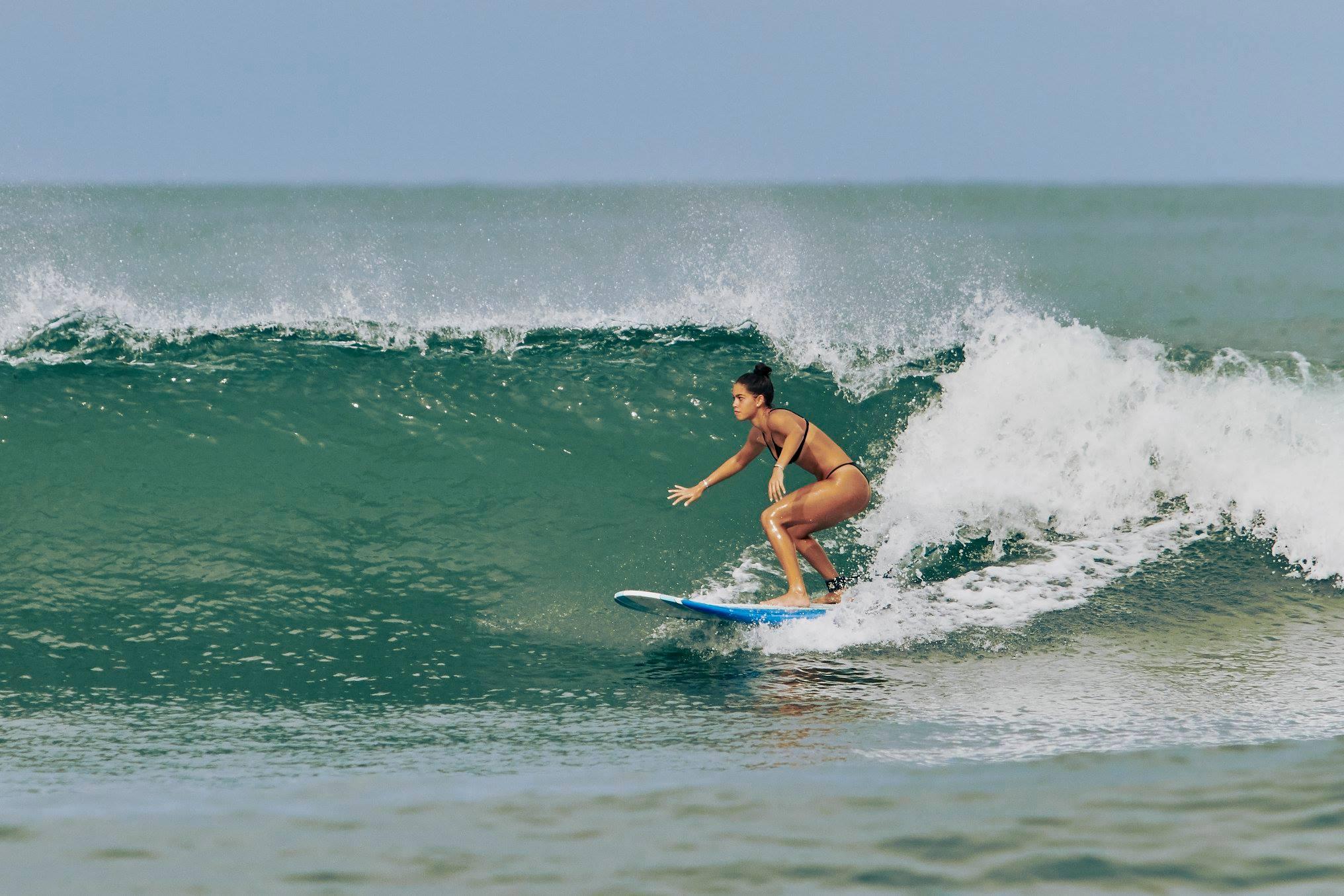 Coco cadena Surfer surf
